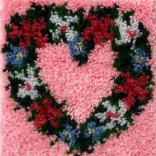 Wonderart Latch Hook Kit, Heart Wreath