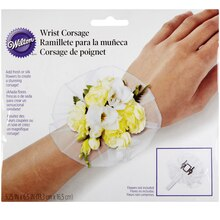 Wilton Wrist Corsage Packaging