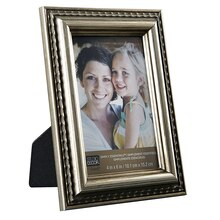 Studio Décor Simply Essentials Scallop Edge Frame, Silver, 4in x 6in