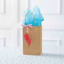 Rainbow Loom® Valentine's Lips on Gift Bag