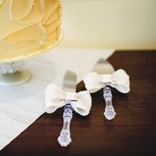 Champagne Wedding Wilton® Cake Serving Set