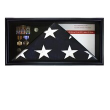 Studio Decor Flag & Memorabilia Case
