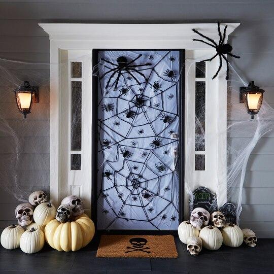 spider door décor
