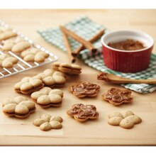 Cinnamon Spritz Cookies with Dulce de Leche Filling, medium