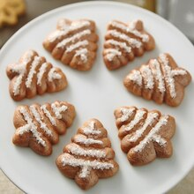 Metallic Christmas Tree Spritz Cookies, medium