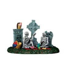 Lemax Spooky Town Collection Graveyard Picnic