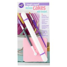 Wilton I Taught Myself to Decorate Cakes with Fondant Decorating Book Set