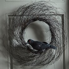 Black Crow Wreath, medium