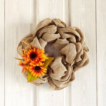 Free Floral Class: Burlap Wreath, medium