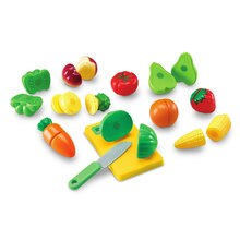 Pretend and Play Sliceable Fruits and Veggies Contents