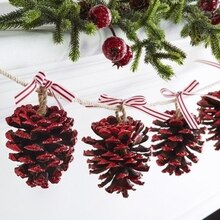 Pinecone Christmas Garland, medium