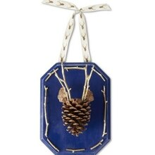 Pinecone Reindeer Plaque, medium