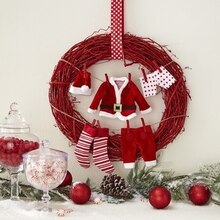 Santa Clothesline Wreath, medium