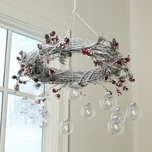 Christmas Wreath Chandelier, medium