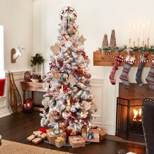 Pinecone Lodge Christmas Tree, medium