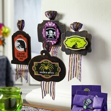 Halloween Plaques, medium