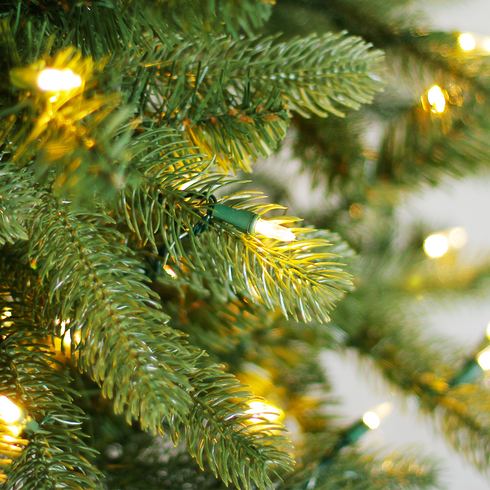 Costco Online Christmas Trees: 7.5 Ft. Pre-Lit Fremont Pine Full Artificial Christmas