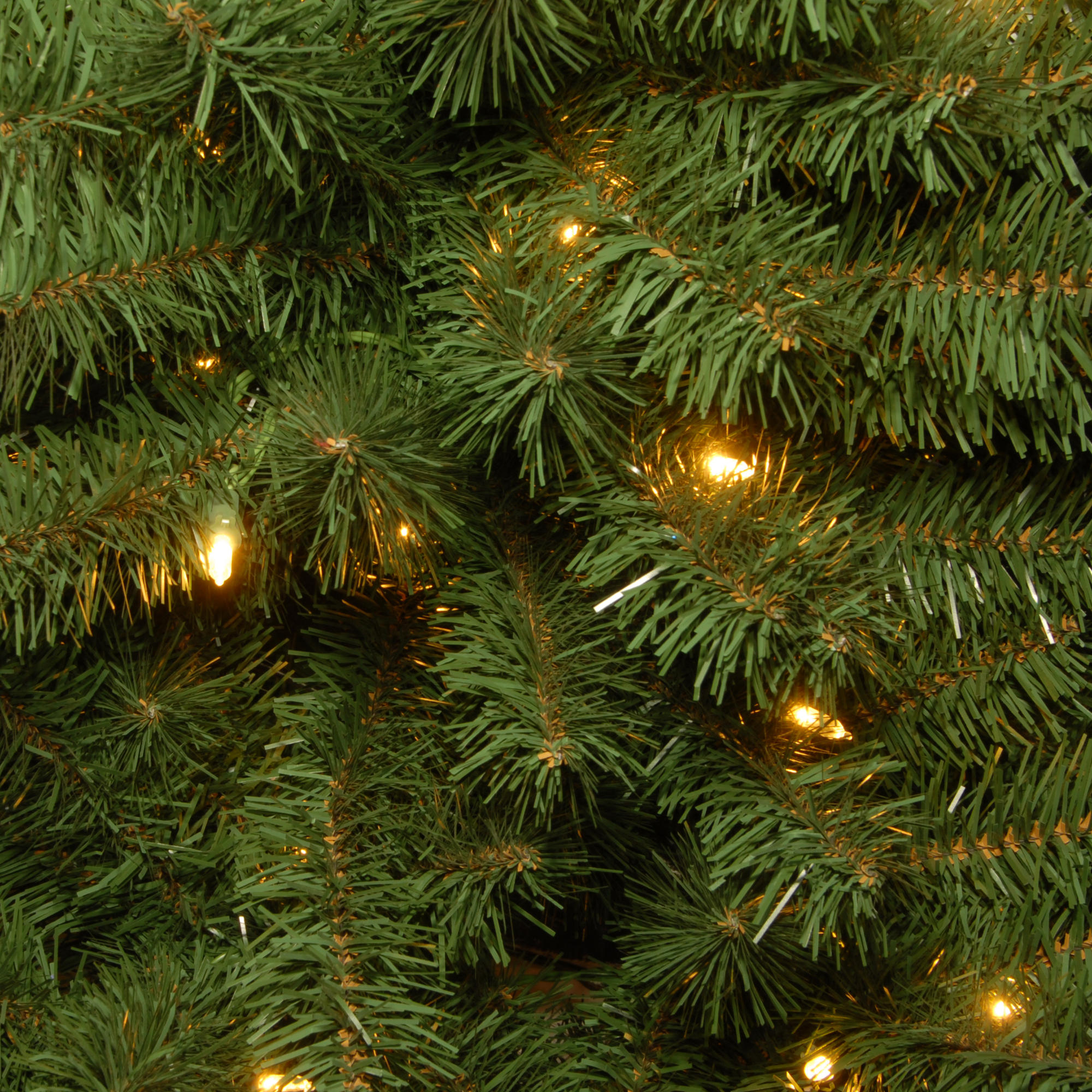10 Ft Prelit Dunhill� Fir Hinged Full Artificial Christmas Tree